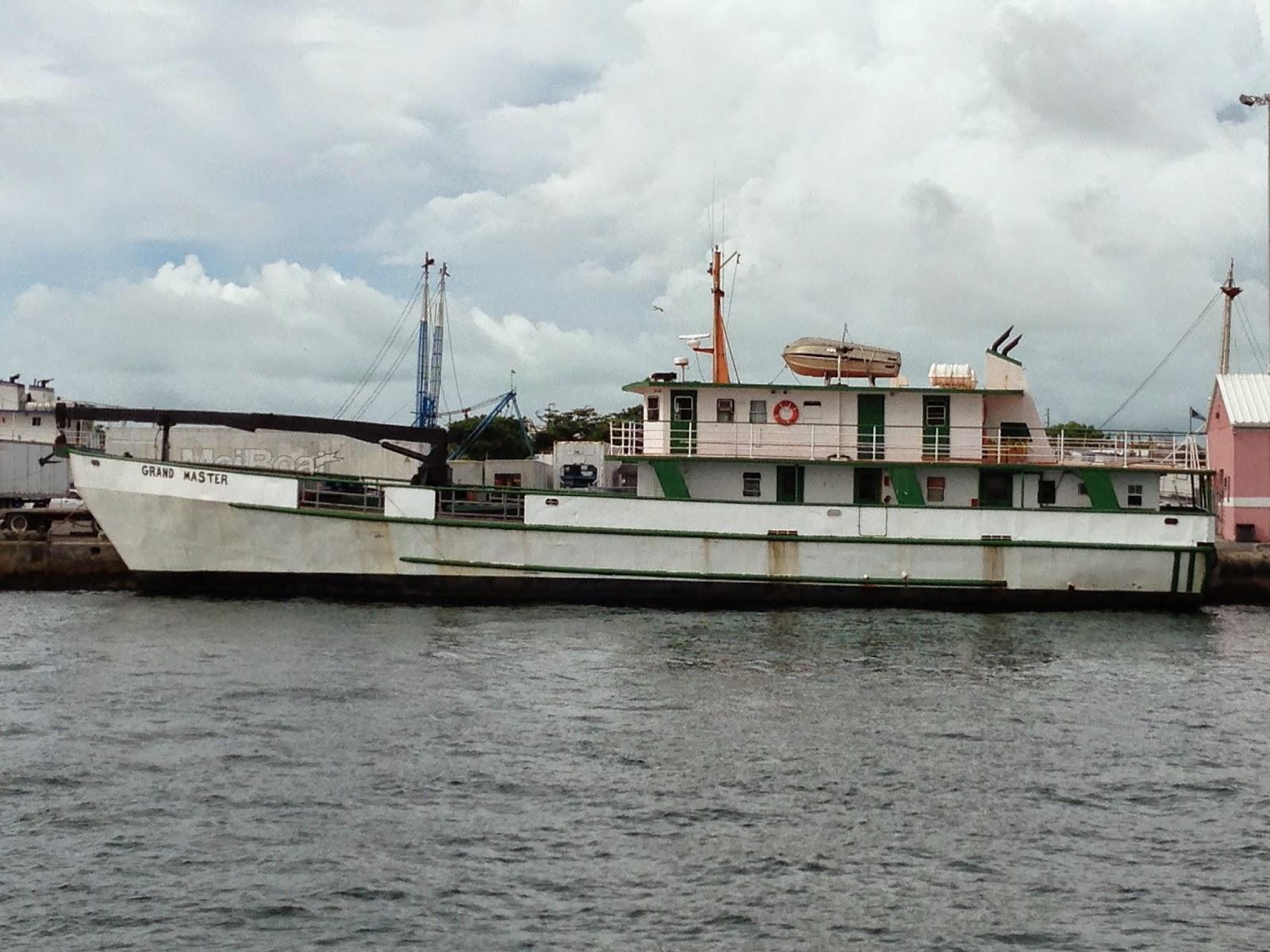 Photo Essay Bahamas Mailboats July 2014 Potter's Cay Dock